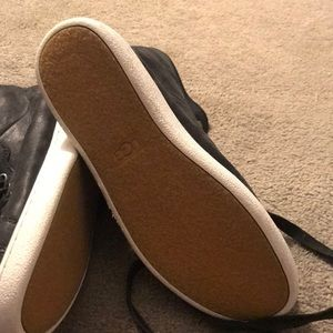 UGG Shoes - NWOT UGG Sneakers